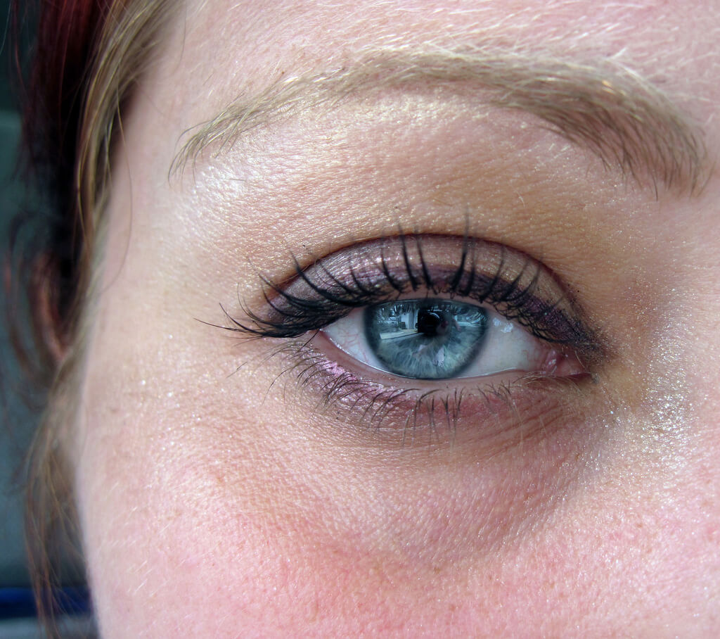 How to Get Rid of Dark Circles under Eyes: 16 Home ...